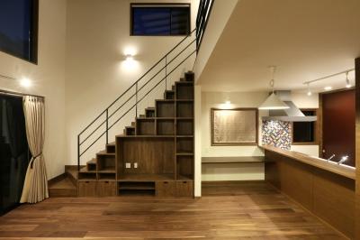 階段下-テレビボードと造作棚 (K's residence)