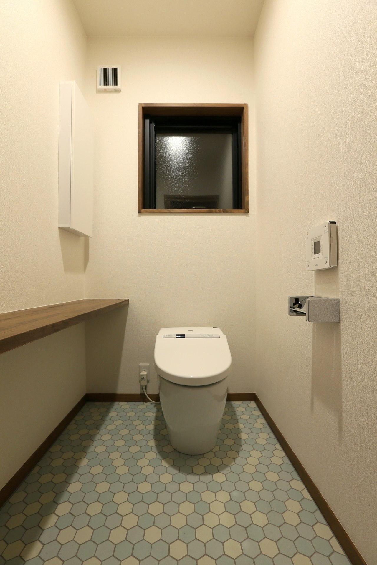 K's residenceの部屋 ヘキサタイル床のトイレ