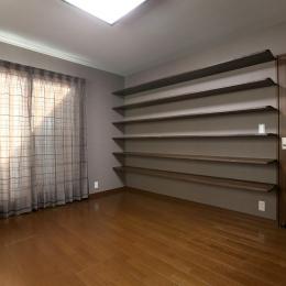 壁面収納のある寝室