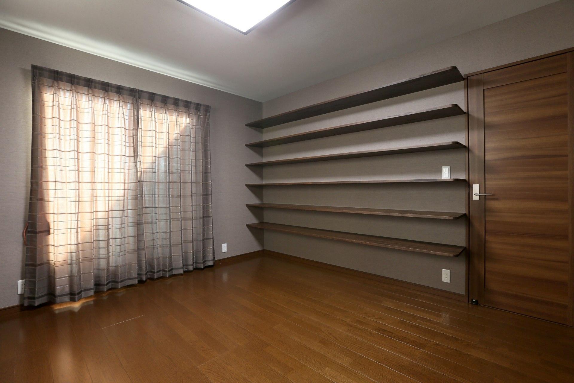 壁面収納のある寝室(k's residence) - ベッドルーム事例|リノベーション