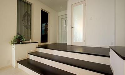 T様邸「斬新なプランで遊びごころを取り入れた開放的な家」 (ステップフロアー)