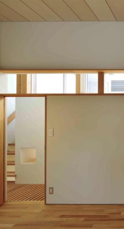ナチュラルな個室 (『うららかな家』清潔感・暖かみ・凛とした空気感をもつ住まい)