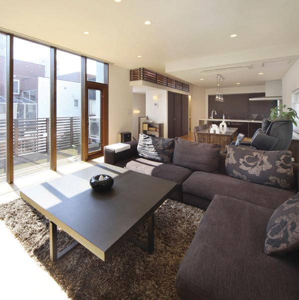建築家:柴嵜 雄次「N邸・ダークブラウン基調の大人モダンな住まい」