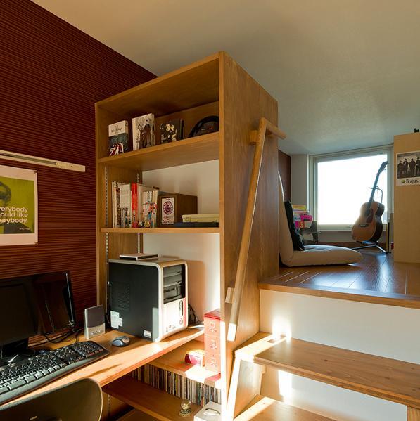 K邸・ソフト&ナチュラルな住まいの部屋 ワークスペースと趣味スペース