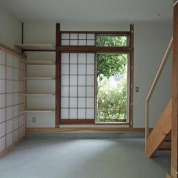 『矢来の家(減築)』過去の記憶や温もりを残す減築リフォーム (土間-障子戸でプライバシー確保)