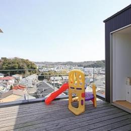 『片瀬山の家2』景色を楽しめる屋上デッキのある住まい (景色を楽しめる屋上デッキ)
