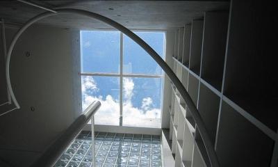『小さな2世帯ハウス』美しく心が豊かになる玉手箱 (螺旋階段上部-トップライト)