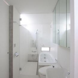 『小さな2世帯ハウス』美しく心が豊かになる玉手箱 (真っ白のサニタリールーム)