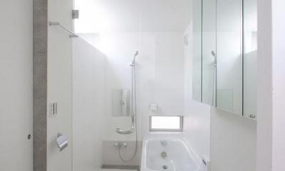 真っ白のサニタリールーム|『小さな2世帯ハウス』美しく心が豊かになる玉手箱