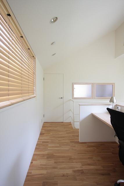 『永福の家』光と風が通り抜ける、明るくかわいらしい住宅の写真 明るい2階ホール