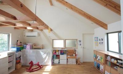 寝室-キッズスペース|『永福の家』光と風が通り抜ける、明るくかわいらしい住宅