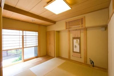 『YO.house』光と風が行き届く、優しさに包まれた住まい (優しい光に包まれた和室)