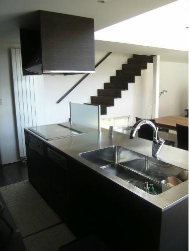 『house @ ck』大人シンプルモダンな住まいの部屋 ステンレスのオープンキッチン