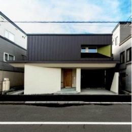 『house @ tk』家族の絆を深めるモビリティハウス (メリハリのある外観-1)
