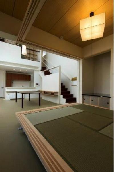 『house @ tk』家族の絆を深めるモビリティハウス (小上がりの和室)