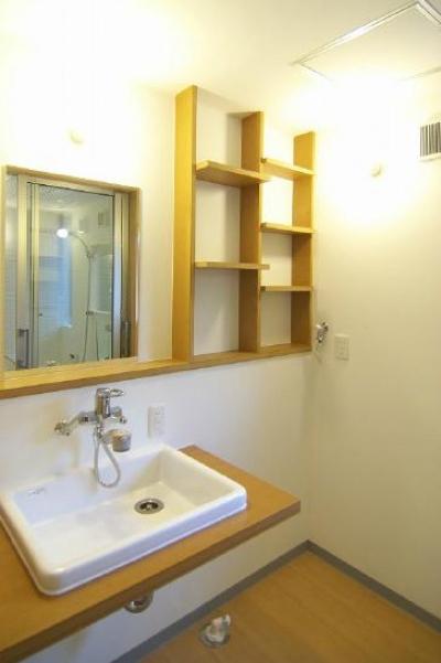 シンプルな洗面脱衣室 (高崎T邸・正直素材仕上げの家)