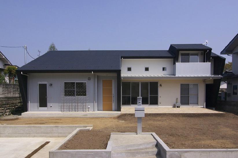 高崎U邸・石土間のある家の写真 石土間のある家-外観