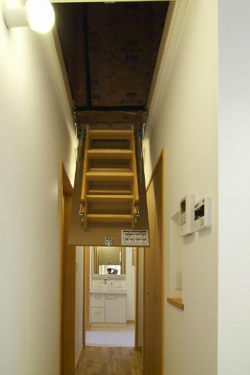 建築家:神澤 宣次「高崎U邸・石土間のある家」