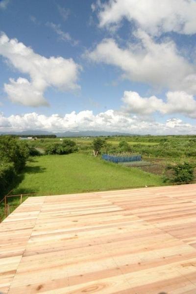 『須田の家』雄大なロケーションに建つアトリエ付き平屋住宅 (眺望-白神山地)