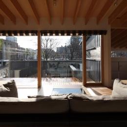 『マロニエ通りの家』家族を心地よく、緩やかにつなぐ二世帯住宅