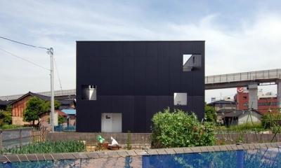 『TO-house』ジャケットを羽織った家 (キューブ型の外観-2)