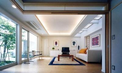 『大田区K邸』中庭でつながる二世帯コートハウス (中庭に面した1階リビング)