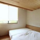 シンプルナチュラルな寝室
