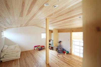ナチュラルな子供部屋 (『AR-house』敷地段差を活かした2世帯住宅)