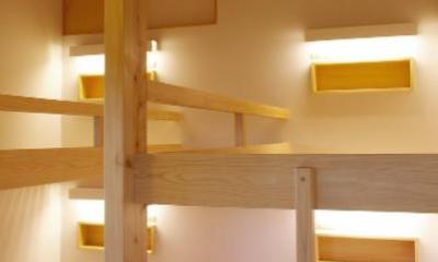 すのこベッドフレームの寝室|『OH-house』スキップフロアの海の家