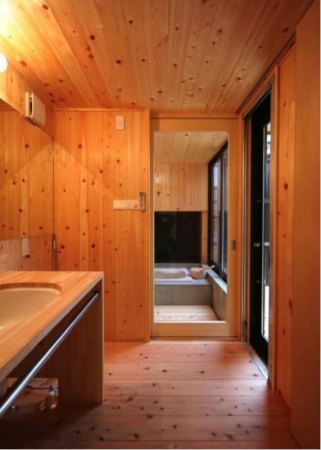 建築家:佐藤大「『すぎのいえ』生活を楽しむ工夫・遊び心をつめこんだ住まい」