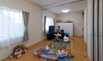 『菰野の民家再生』開放感・一体感のある住まい (将来2部屋に分けられる子供部屋)