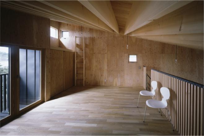 『蘭島のCOTTAGE』木に囲まれた海沿いの別荘の部屋 ロフト-寛ぎの空間