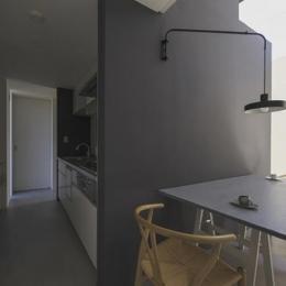 『富木島の家』クール&斬新デザインの都会的な住まい (キッチン・ダイニング)