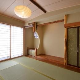『蓬莱の家』独り暮らしと集まる家 (2階の客用寝室-旧家の床の間を再現)