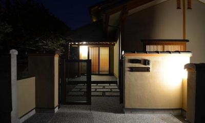 アプローチ-夜景|『蓬莱の家』独り暮らしと集まる家