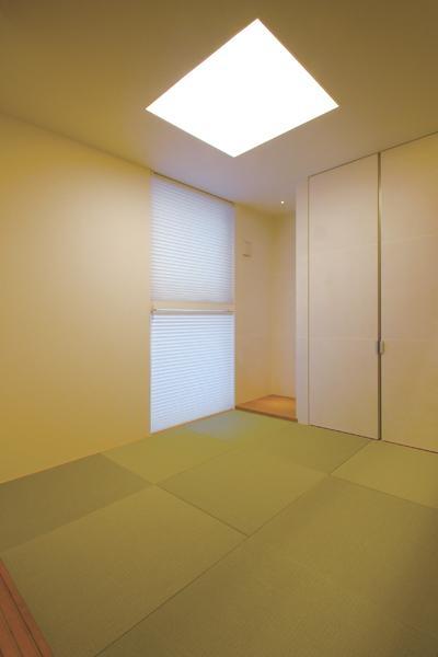 『HOUSE YT』洗練されたスタイリッシュな住宅 (シンプルな現代和室)