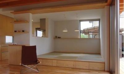 床下収納のあるタタミダイニング|『伊左地の家』緑・光・風を感じる長期優良住宅