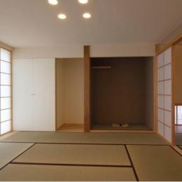 『伊左地の家』緑・光・風を感じる長期優良住宅-仏間・床の間を設けた和室