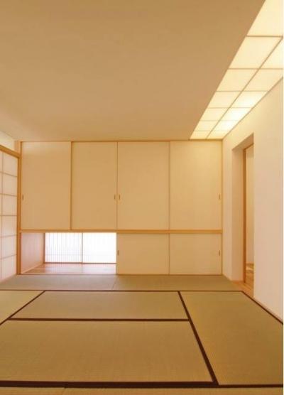 『伊左地の家』緑・光・風を感じる長期優良住宅 (収納を重視した和室)