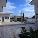 『凹[ou]』内と外の関係性を持つ住宅の写真 開放的なバルコニー