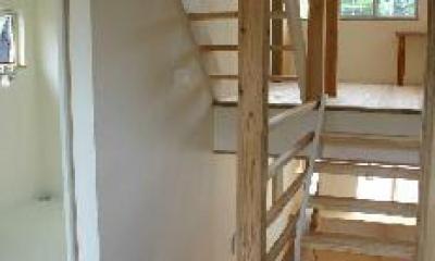 スキップフロア|『半々階の家・黒』半階ずつ空間が繋がる楽しい住まい