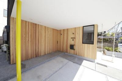 柳崎の住宅 (玄関・車庫スペース)
