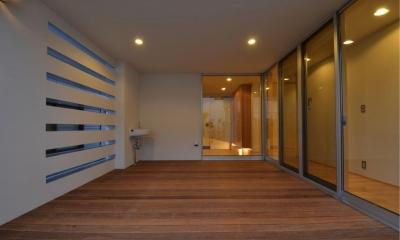 1階デッキ-アウトドアリビング|N邸・充実したアウトドア空間