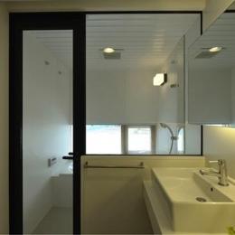 シンプルモダンな洗面・浴室