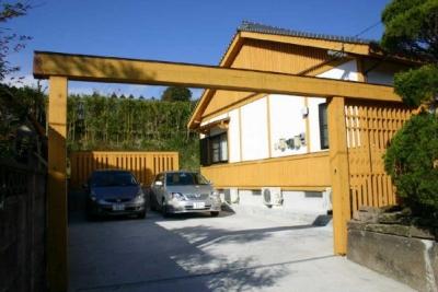 外観-駐車スペース (YG邸・木の温もりを感じる和風住宅)