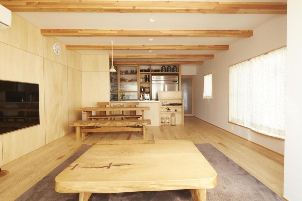 前川の住宅 (リビングダイニング)