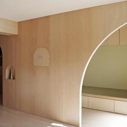 『人とモノの小さな居場所』小さな空間を緩やかにつなぐマンションリノベ-アーチ型の開口−空間を緩やかにつなぐ