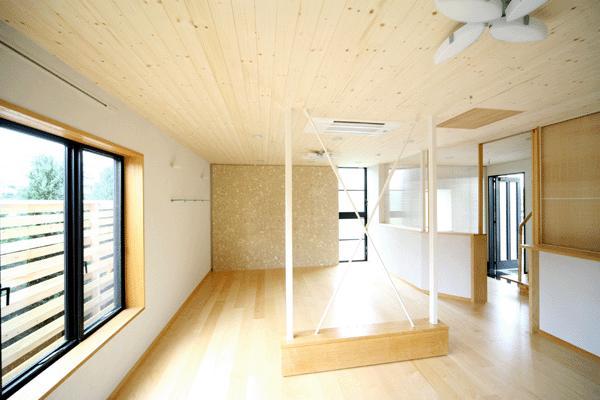 I邸・広がりのある心地よい住まいにリノベーションの部屋 明るいリビング