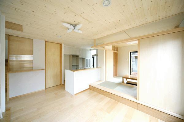 I邸・広がりのある心地よい住まいにリノベーションの写真 LDK・和室