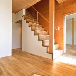 開放的な玄関ホール (K邸・眺望を楽しむ家、耐震補強リノベーション)